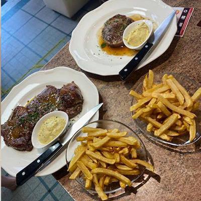 Restauration sur place le midi et le soir Briare Terrasse et salle pièce de bœuf et frites